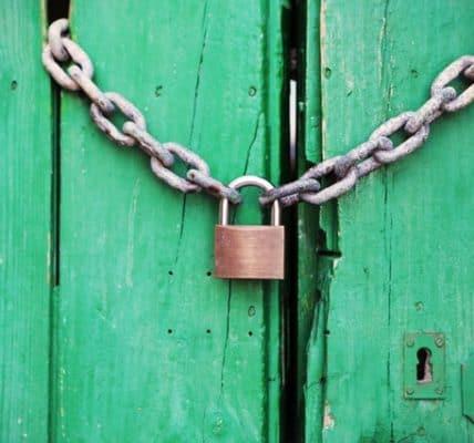 łańcuch zabezpieczający drzwi